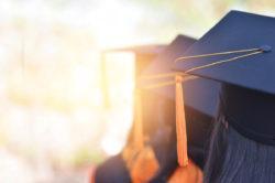 放弃大学预科,攻克雅思或托福:留学生可以换个角度思考如何突破esl语言难关