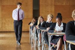 加拿大几所大学要求雅思成绩多少?
