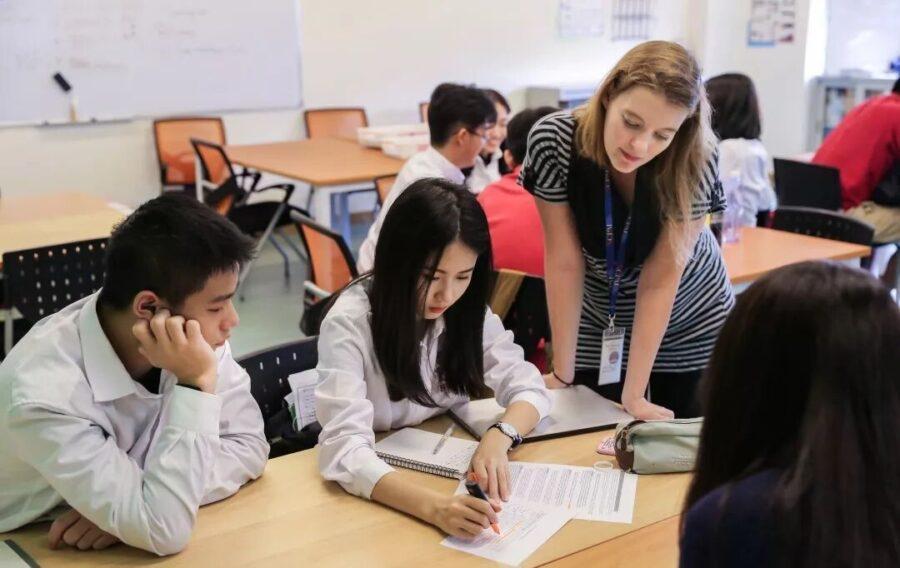 , 喻同学:不负韶华,她用九个月换来双份名校offer